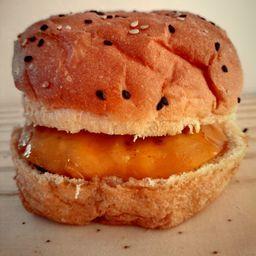 Toto Cheddar Burger
