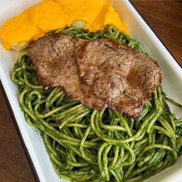 Tallarín Verde con Bisteck