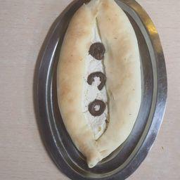 Fataier Mozzarella y Aceitunas