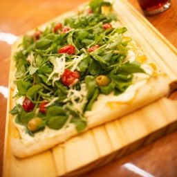 Pizza Rúcula y Tomate Cherry