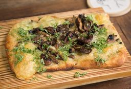 Pizza de Hongos y Queso de Cabra