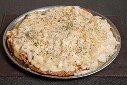 Pizzanesa a la Fugazzeta de ternera  con papas fritas. (Comen 4)