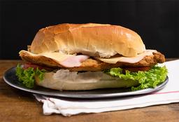 Combo Sándwich de Milanesa Completo & Bebida