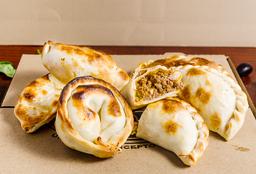 12 Empanadas + 1 Pizza de Mozzarella