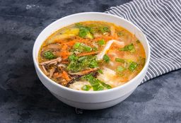 Sopa de Hongo Chino con Pollo