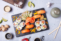Tabla Sushi Sashimi Salmón