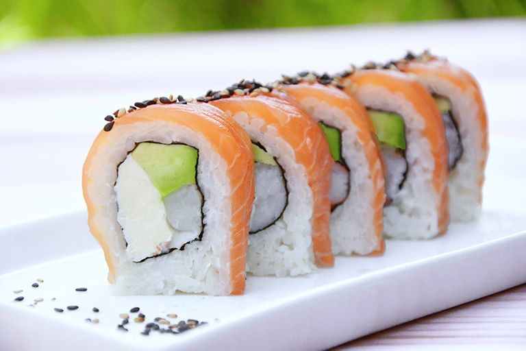 Logo Trending Sushi