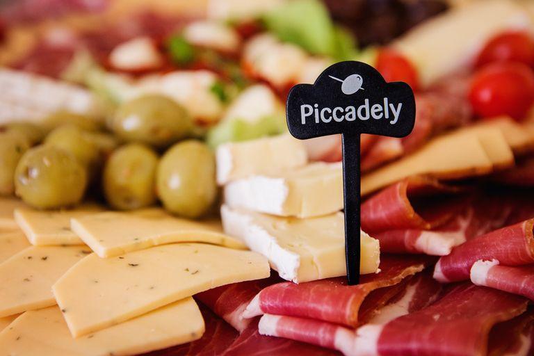 Logo Piccadely