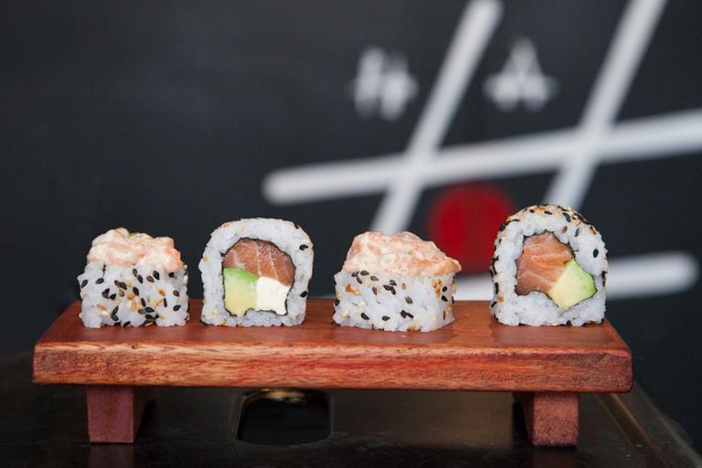 Logo Halu Sushi