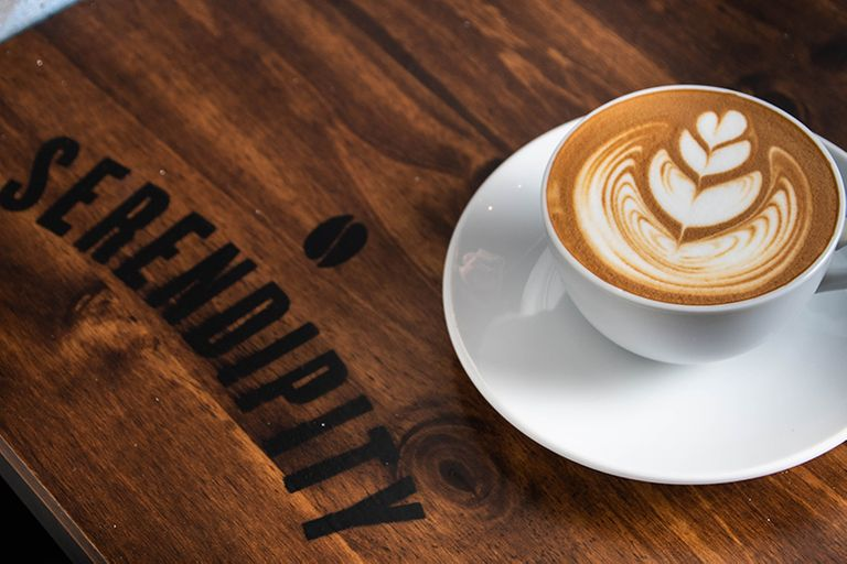 Logo Serendipity Coffee and Wine Bar