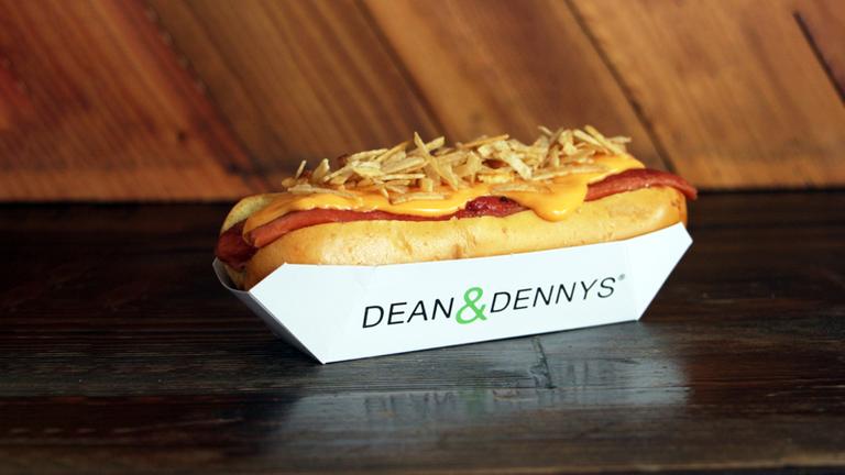 Logo Dean Hot Dogs