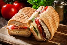 Los Famosos Sandwichería