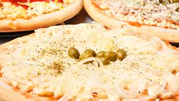 XL Pizzas